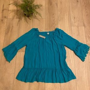 -NWT! Women's flowy blouse size L so cute!